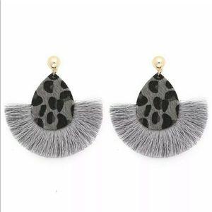 Jewelry - 💕 Boho Tassel Geometric earrings 💕